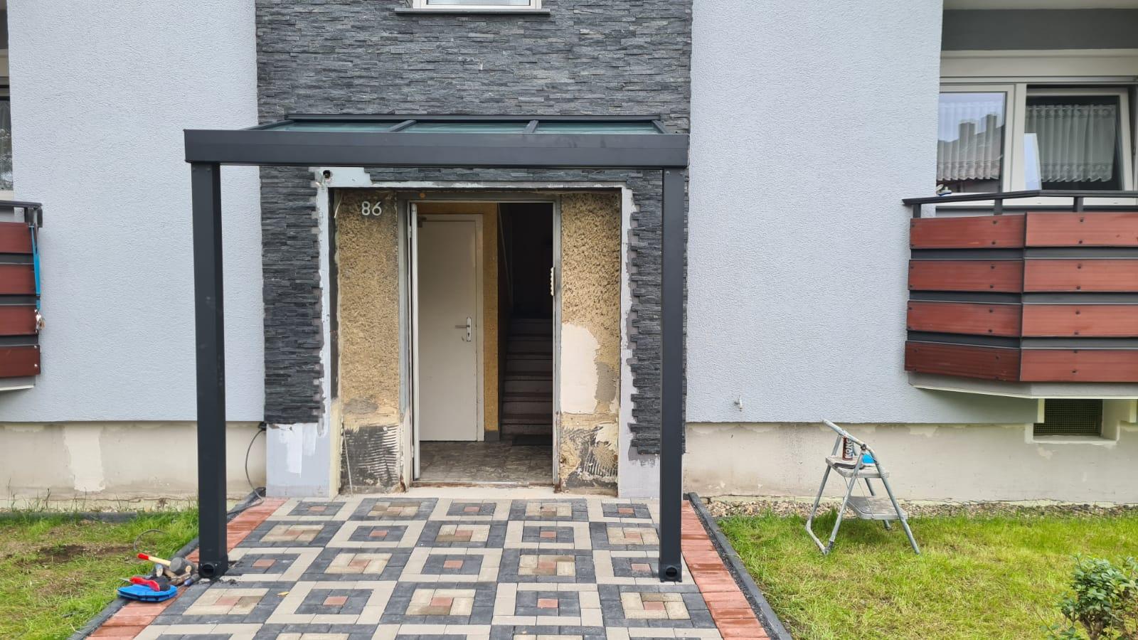 Hauseingang - Vordach - ELITE-Fensterbau